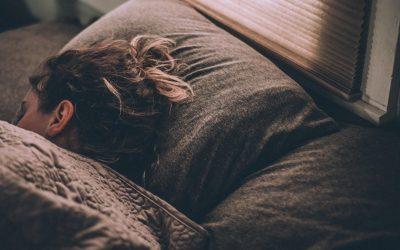 Como dormir bem pode ajudar a saúde? Descubra aqui